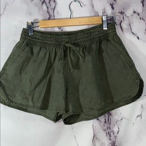 New$19.95 Hollister olive green cotton shorts sz M
